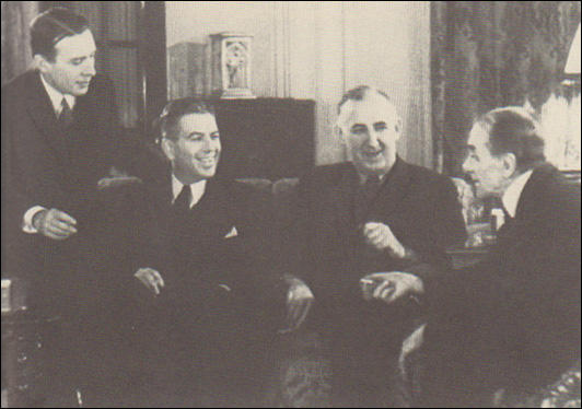 Adolf Berle, Rexford G. Tugwell, Raymond Moley and Louis Howe in the White House (March, 1933)