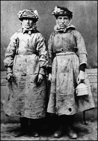 Two women coalminers (1890)