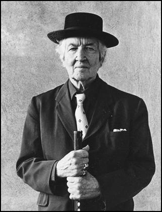 Robert Graves short biography