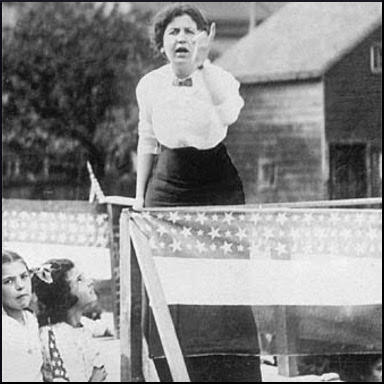 Elizabeth Gurley Flynn addressing strikers in Paterson (1913)