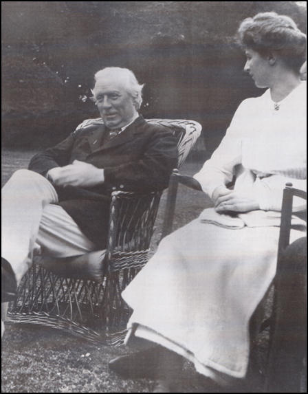 H. H. Asquith and Sylvia Henley (c. 1915)