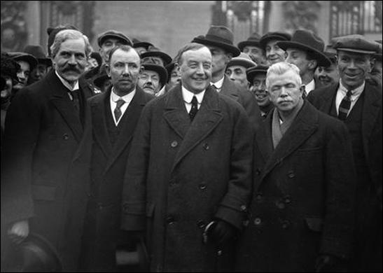 Ramsay MacDonald, Jimmy Thomas, Arthur Henderson and John R. Clynes outside Buckingham Palace (23rd January, 1924)