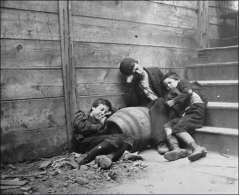 Jacob Riis, Homeless Children (1890)