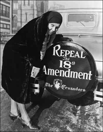 A woman supporting the repeal of the 18th Amendment (1927)
