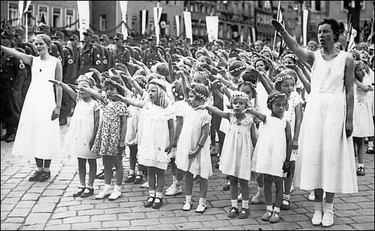 Image result for images of happy german girls in nazi germany
