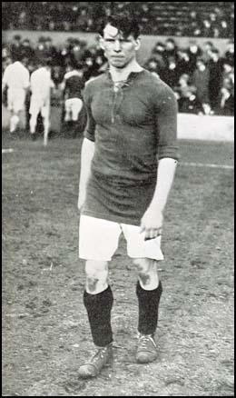Tom Whittaker playing for Arsenal in 1922