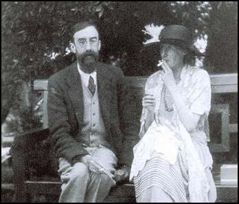 Lytton Strachey with Virginia Woolf at Garsington Manor