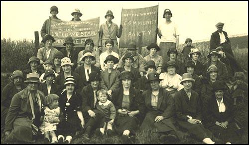 Helen Crawfurd with the Women's section of the Merthyr Tydfil Communist Party in 1925