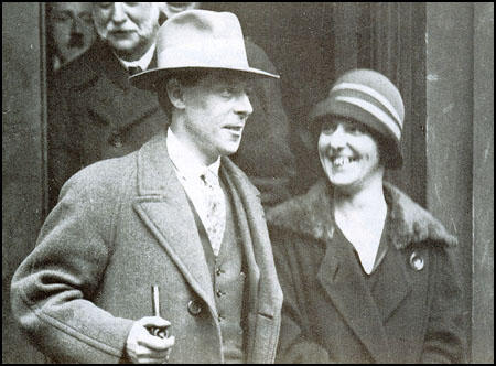 Albert Inkpin with his wife in 1926