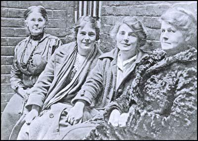 A photograph taken in January 1917. Left to right: A prison wardress,Hettie Wheeldon, Winnie Mason and Alice Wheeldon.