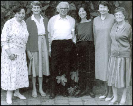 Nicholas Winton with some of the children he saved.