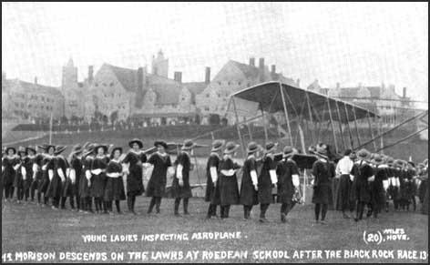 Aircraft lands at Roedean School in 1915