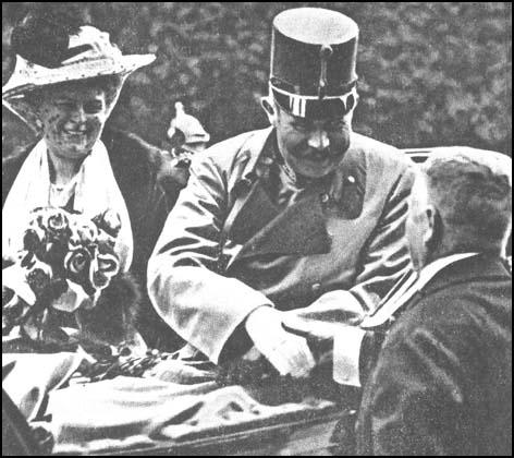 Archduke Franz Ferdinand and Dutchess Sophieat Sarajevo on 28th June, 1914.