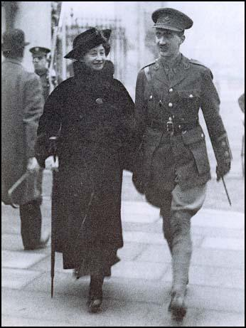 Edith Brittain and her son Edward Brittain in 1916