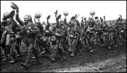 The Worcestershire Regiment marching to war in 1916.