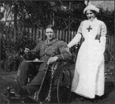 Clare Tisdall with her younger brother, Lieutenant Charles Tisdall,while he was convalescing from wounds. Tisdall recovered butwas killed by a sniper four days before his nineteenth birthday.