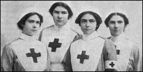 The Pole sisters (Gladys, Hilda, Lily and Muriel)all joined the Voluntary Aid Detachment in Chislehurst.