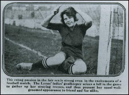 Newspaper article ridiculing women's football.