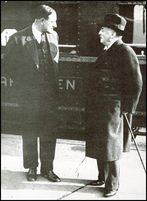 Albrecht Haushofer with Sven Hedin of Sweden