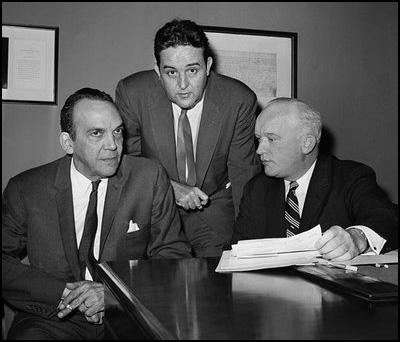 Alvaro Sanchez, Enrique Ruiz-Williams and attorney James Donovanduring negotiations for the release of prisoners (20th November 1962)