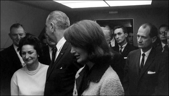 Albert Thomas (far left) with Lyndon Johnson on the day that John F. Kennedy was assassinated.