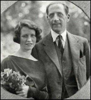 an analysis of edna st vincent millays fatal interview Edna st vincent millay (1892-1950) [four sonnets (1922)] ii i think i should have loved you presently 21 i think i should have loved you presently, 22.
