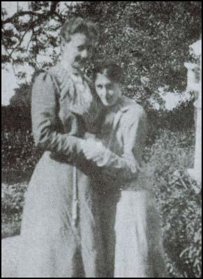 Virginia Stephen with Violet Dickinson