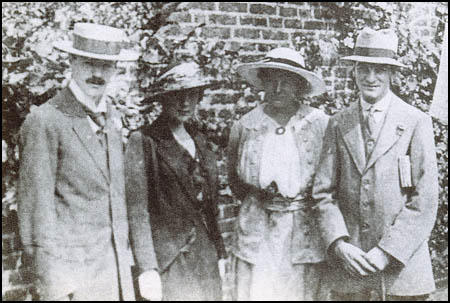 katherine mansfield the baron Although katherine mansfield was closely associated with dh lawrence and something of a rival of virginia woolf, her stories suggest someone writing.
