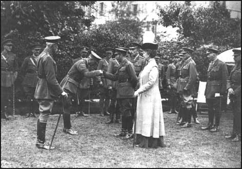 Herbert Russell meets George V on 9th June1917.