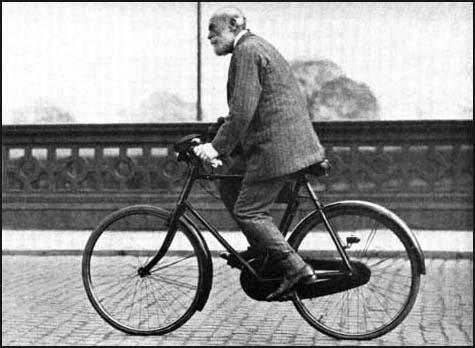 C.P. Scott on his daily ride to the Manchester Guardian.