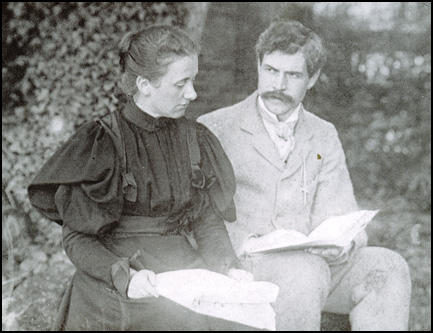 Margaret Gladstone and Ramsay MacDonald in 1896.