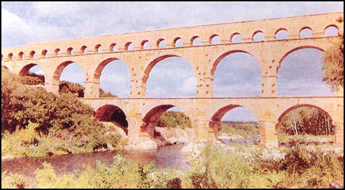 Aqueduct near Rimes in the Roman province of Narbonessis that was built in about 25 BC.
