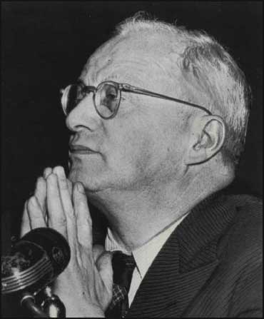 Isaac Don Levine appearing before the Un-American Activities Committee