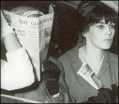 Vickie Barrett and Brenda O'Neil travelling to the Old Bailey