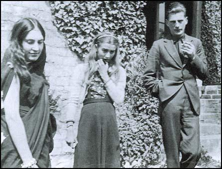 Deborah Garman with Pegeen Vail and Samuel Beckett at Yew Tree Cottage