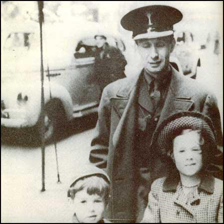 A. J. Ayer and his two children in 1940