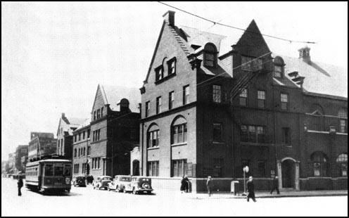 Hull House Settlement in 1930