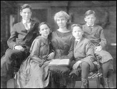 Photograph of Kate Richards and her four children thatshe kept with her after being imprisoned in 1917