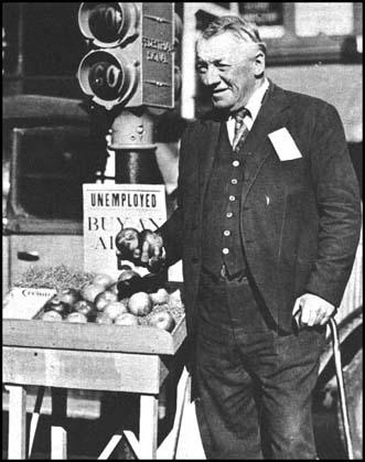 Fred Bell was a wealthy businessman but was forced to sell apples after the Wall Street Crash.