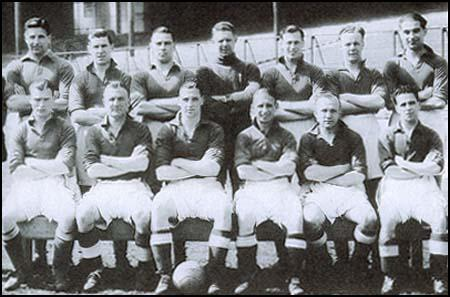 Everton in 1939. Back row, left to right: Jock Thomson, Gordon Watson, Billy Cook,Ted Sager, Joe Mercer, Norman Greenhalgh, John Jones. Front row: Torry Gillick,Stan Bentham, Tommy Lawton, Alex Stevenson, Wally Boyes and Jimmy Caskie.