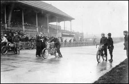 The Memorial Ground cycle track in the early 1900s.