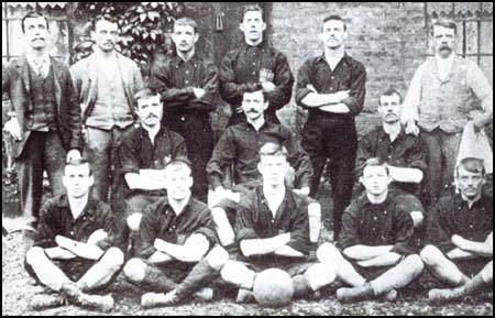 The Thames Iron Works team in 1895. Tom Robinson is top right.