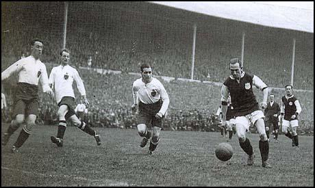 Billy Moore in the 1923 FA Cup Final.