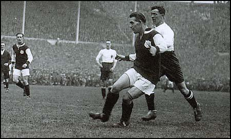 Jimmy Ruffell in the 1923 FA Cup Final.