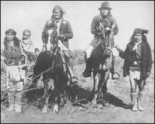Geronimo and Apaches in 1886