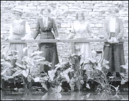 Mary Blathwayt, Charlotte Marsh, Annie Kenney and Laura Ainsworth at Eagle House.