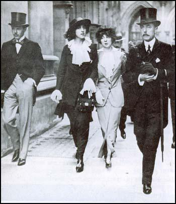 Harold Nicholson, Vita Sackville-West, Rosamund Grosvenorand Lionel Edward Sackville-West in 1913