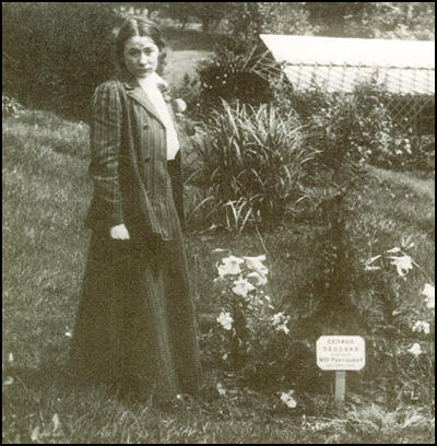 Adela Pankhurst in Batheaston in 1914.