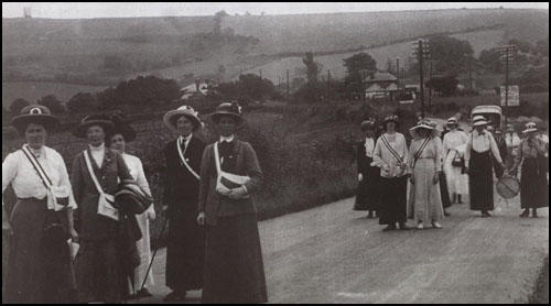 Frederick Douglas Miller photographed the NUWSS Pilgrimage in Sussex in July 1913.