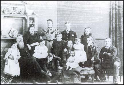 The Sheepshanks family in 1892. Mary Sheepshanks is standing at the back.